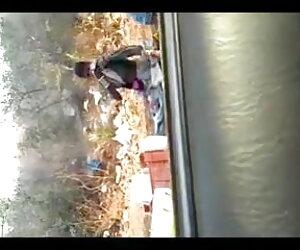 परिपक्व वेश्या उसे एक सेक्सी पिक्चर वीडियो मूवी कार में सूख जाता है
