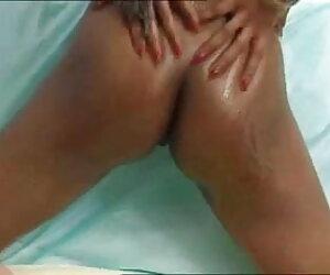 जॉनी के बड़े लंड पर दो सेक्सी लड़कियों कैपरी और टेलर सेक्सी मूवी पिक्चर हिंदी का हाथ है