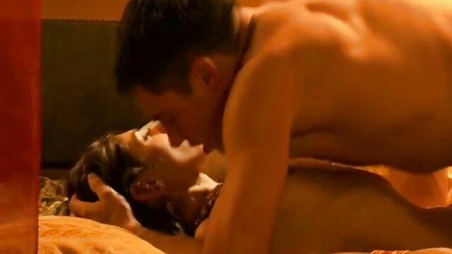 गर्म प्रेमी कमबख्त ब्लू मूवी सेक्सी पिक्चर